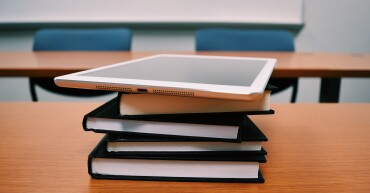 books-classroom-college-desk-289738